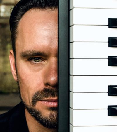 Ingo Hoebald aka iKAB Keyboarder & Pianist - - Entprima Live | Pop-Lounge-Dance MusicDuo
